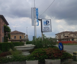 Hotel Route 9
